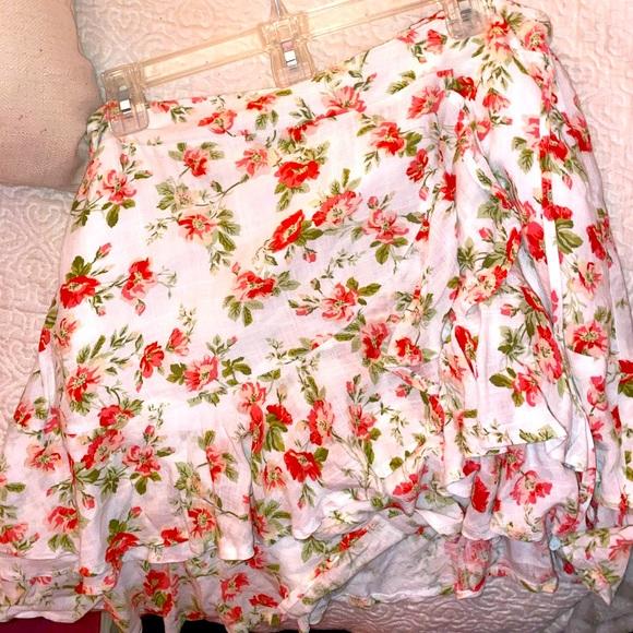 Mink Pink floral wrap skirt size large!